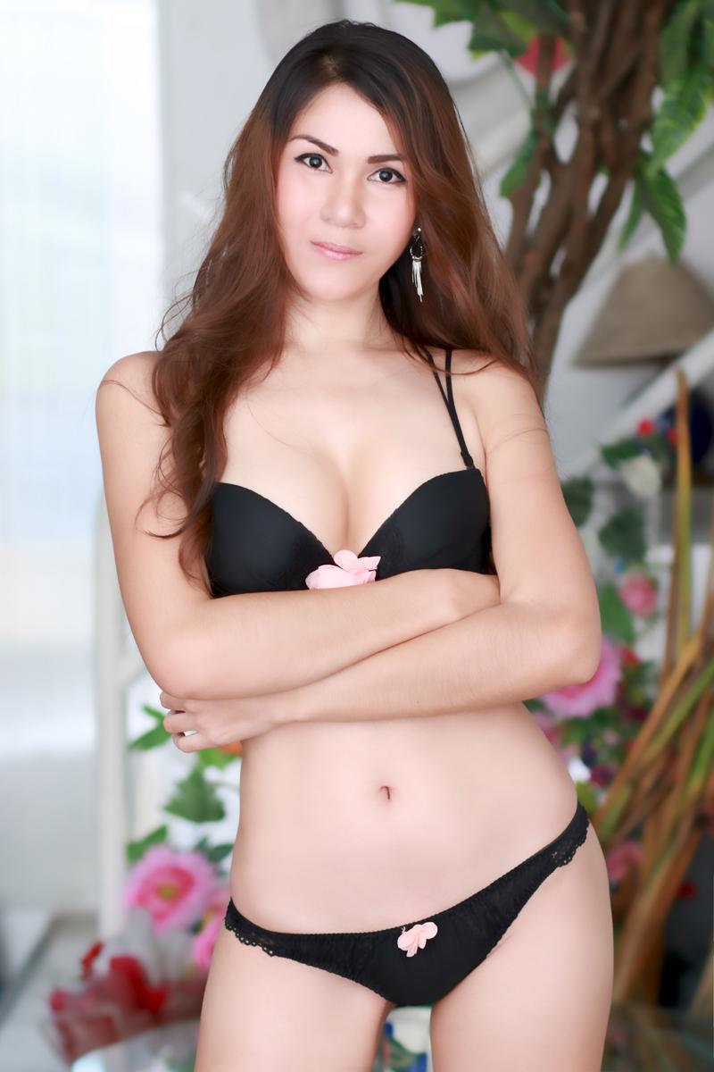 thai  escort chatroulette girl